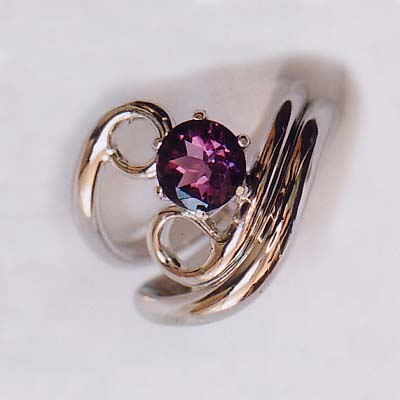 "The image ""http://selwyngale.com/gfx/Fine-amethyst-silver-engagement-ring-and-wedding-ring-206.jpg"" cannot be displayed, because it contains errors."